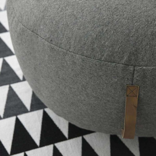 pouf rpund wool grey with leather strap from hubsch - puff med läderhandtag hubsch