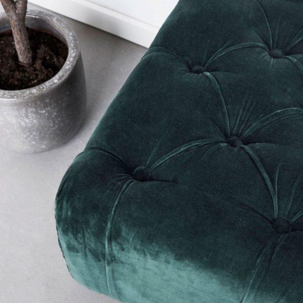 Green Ottoman Daybed, pouf, puff, grön, sammet, velvet, house doctor, beleco, beleco market, hyr möbler, streama inredning, rent furniture, homestaging, styling